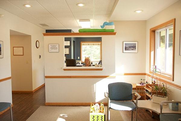 Hornfeck Family Dentistry reception desk